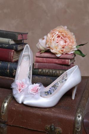 Chaussures satin avec clip fantaisie
